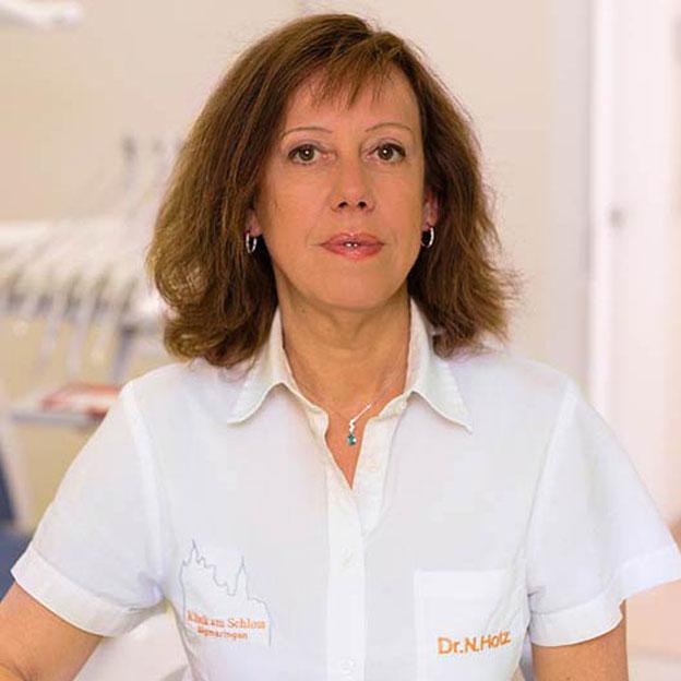 Orthodontist Lilian López Marbella, San Pedro